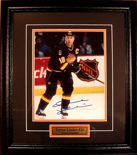 Linden, Trevor Autographed Canucks 8x10 Photo Framed
