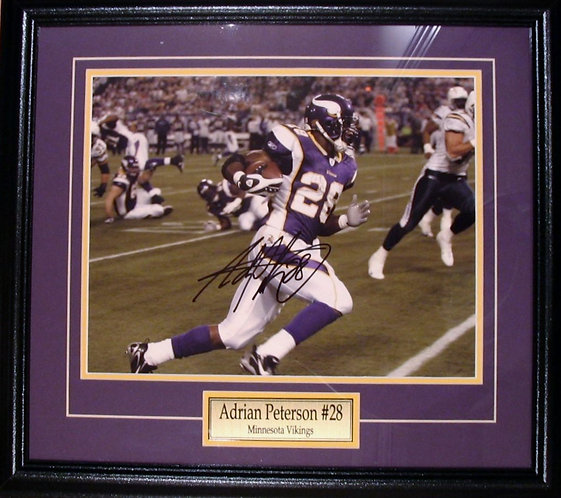 Peterson, Adrian Autographed Vikings 8x10 Photo Framed