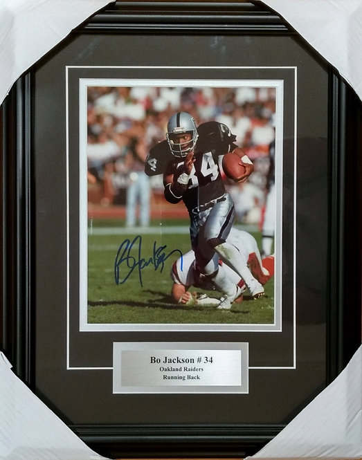 Jackson, Bo Autographed Raiders 8x10 Photo Framed