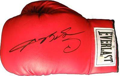 Leonard, Sugar Ray Autographed Boxing Glove