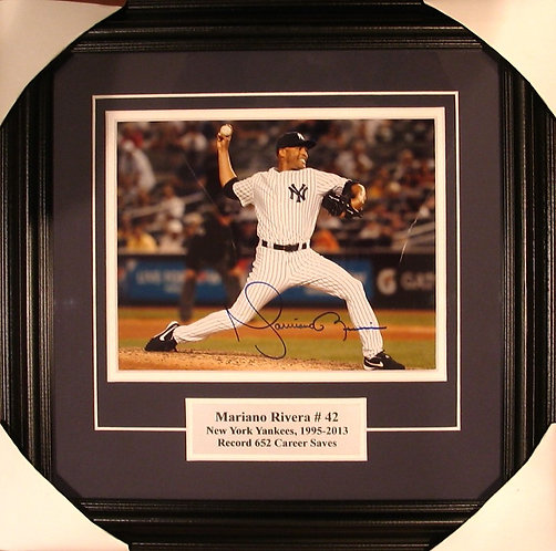 Rivera, Mariano Autographed Yankees 8x10 Photo Framed