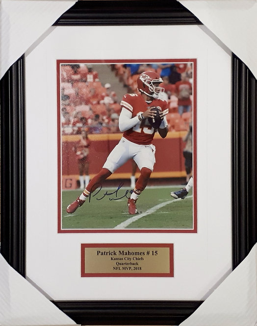 Mahomes, Patrick Autographed Chiefs 8x10 Photo Framed