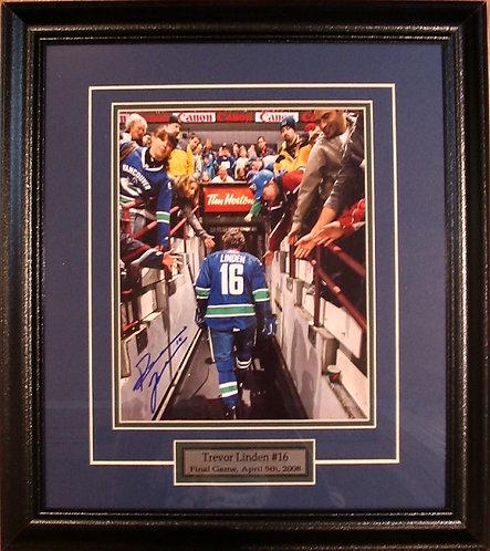 """Linden, Trevor Autographed Canucks """"Last Game"""" 8x10 Photo Framed"""