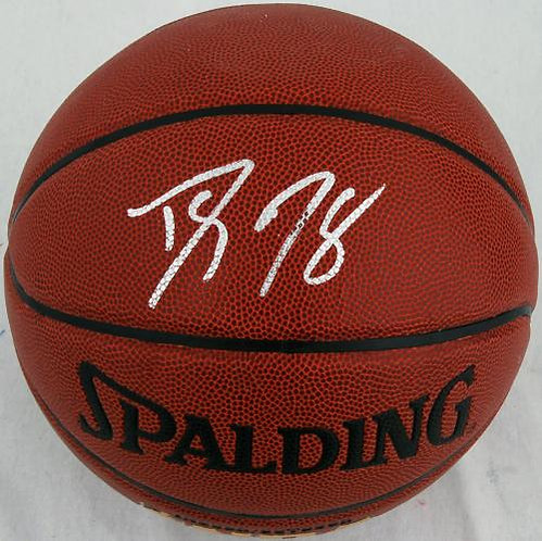Howard, Dwight Autographed Spalding Basketball