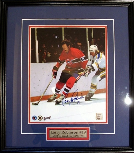 Robinson, Larry Autographed Canadiens 8x10 Photo Framed