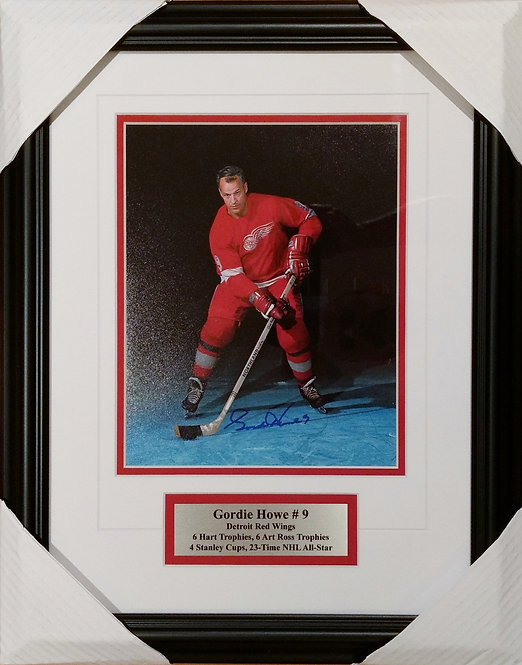 Howe, Gordie Autographed Red Wings 8x10 Framed