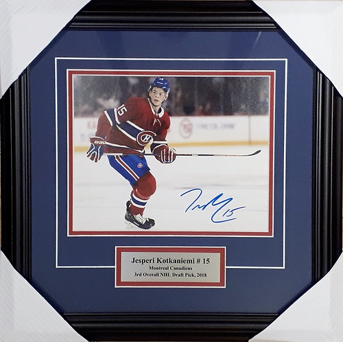 Kotkaniemi, Jesperi Autographed Canadiens 8x10 Photo Framed
