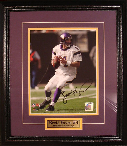Favre, Brett Autographed Vikings 8x10 Photo Framed