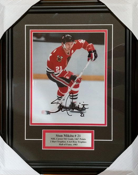 Mikita, Stan Autographed Blackhawks 8x10 Photo Framed