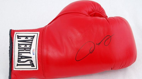 De La Hoya, Oscar Autographed Boxing Glove