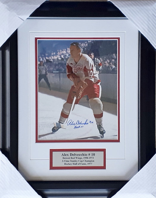 Delvecchio, Alex Autographed Red Wings 8x10 Photo Framed