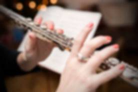 Tocando la flauta transversal