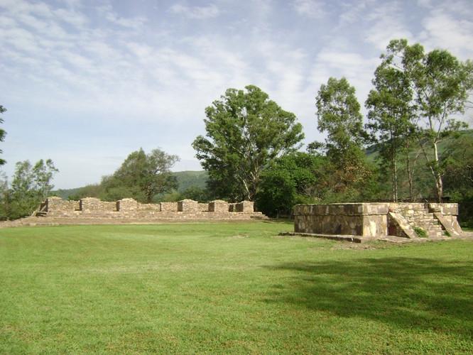 Zona Arqueológica Los Toriles