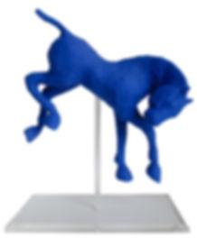 Sculpture de cheval de Saône de Stalh sur son socle plexiglas