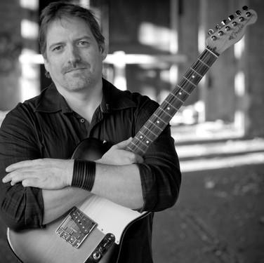 Lutz Feuerhahn: Gitarre