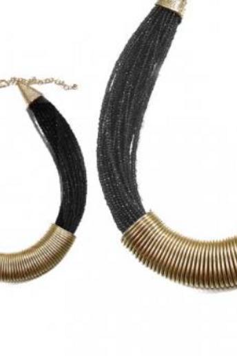 Collier égyptien à perles noires