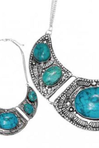 Collier Ethnique à pierre turquoise