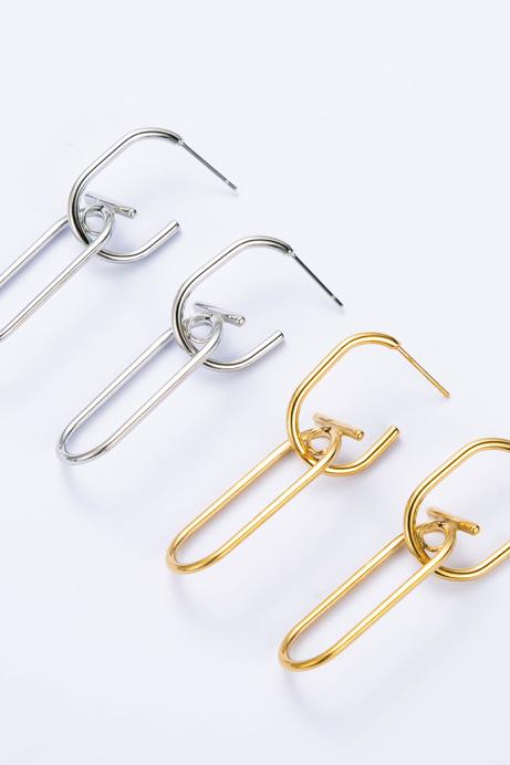 Boucles d'oreilles design dorée