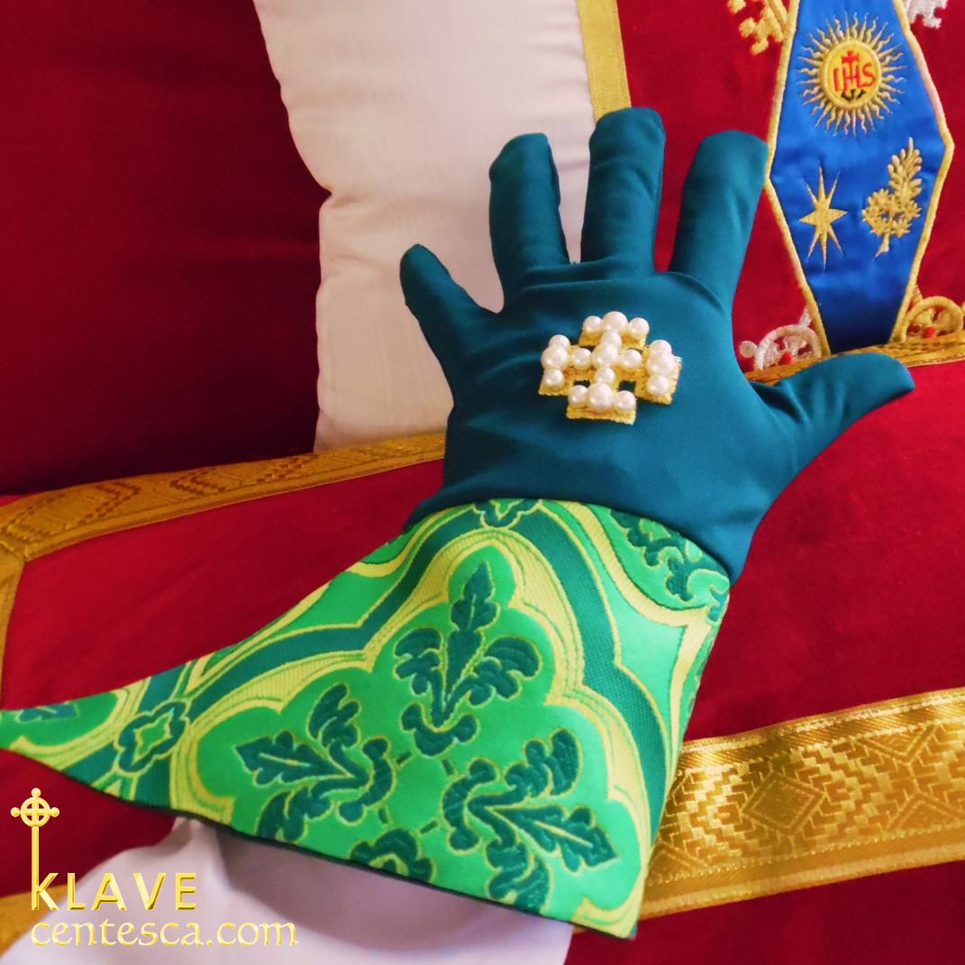 Pontifical Glove