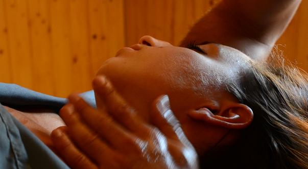 Massage du Visage et de la Nuque