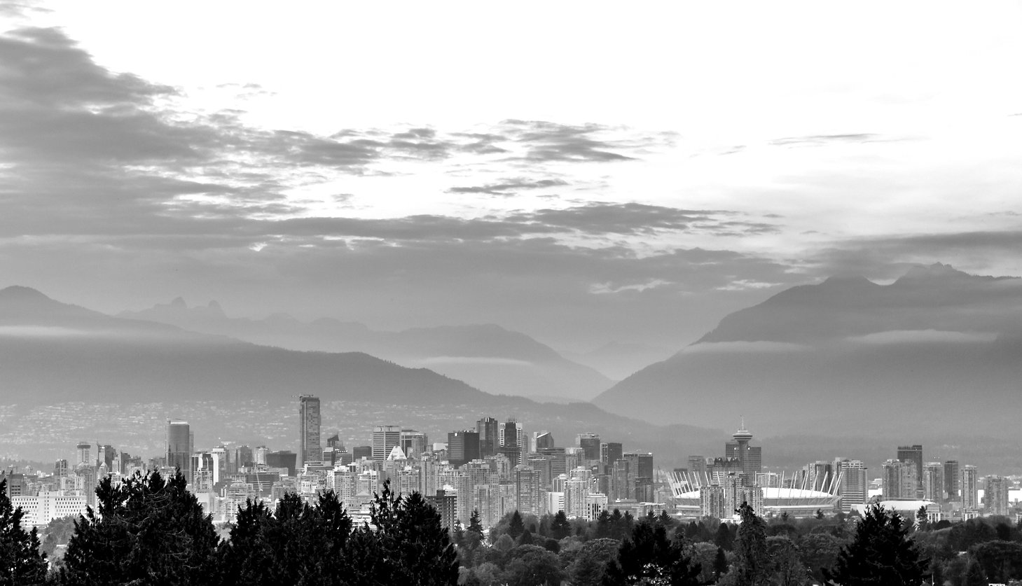 vancouver-skyline-at-dusk-P3DDRFJ_edited