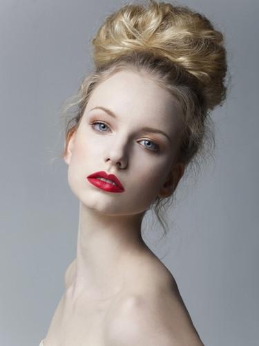 Makeup & Hair by Rachelle Games