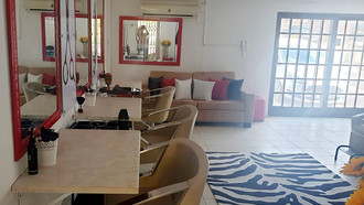 Hair Salon or Chair to Rent in Little Falls, Roodepoort