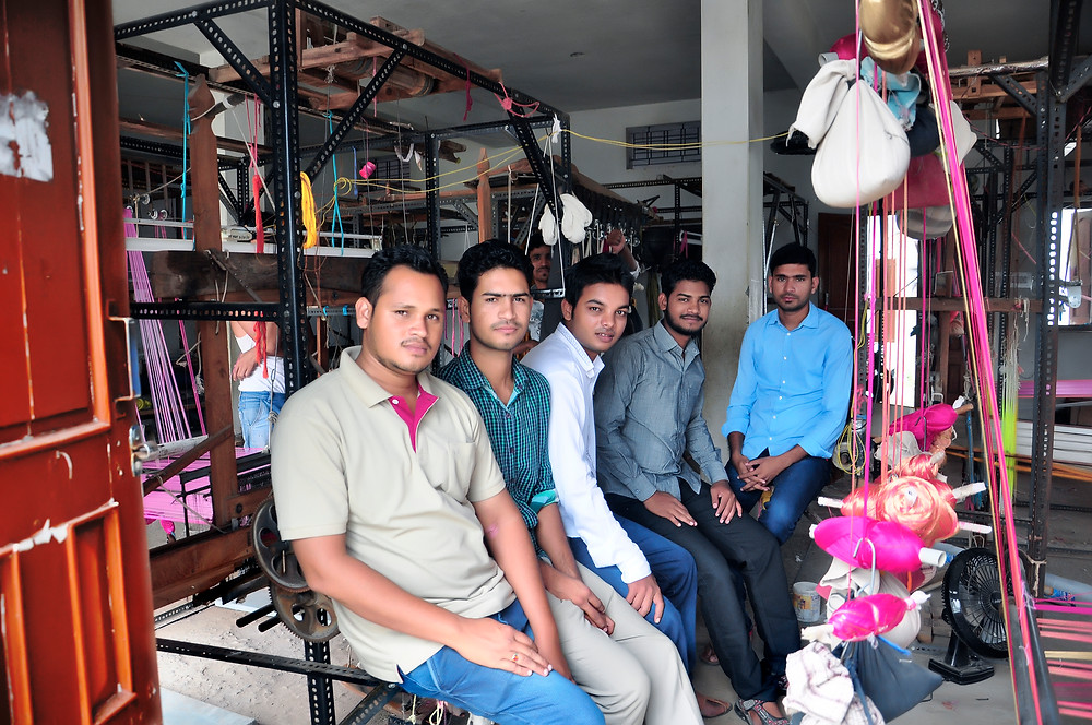 Young weavers of Maheshwar