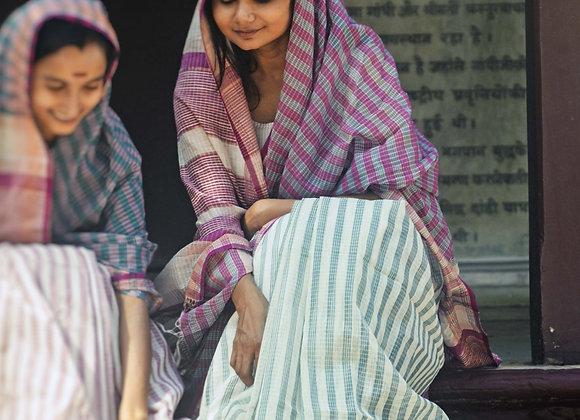 Lal Siyahi: Handloom Maheshwari Saree