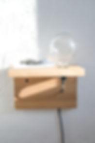 Lampe, luminaire,tablette Good Morning design en bois, chêne fabriquer en france à toulon équipé d'une ampoule vintage à filament.
