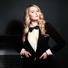 09R Ms Bond.jpg