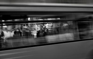D20-03-Passing bus-Open.jpg