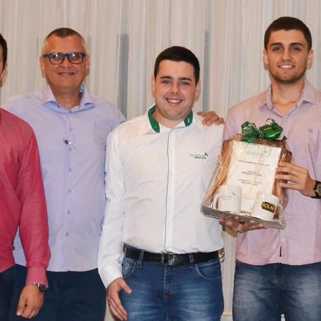 Projeto Solar recebe prêmio nacional por atuação em energia solar.