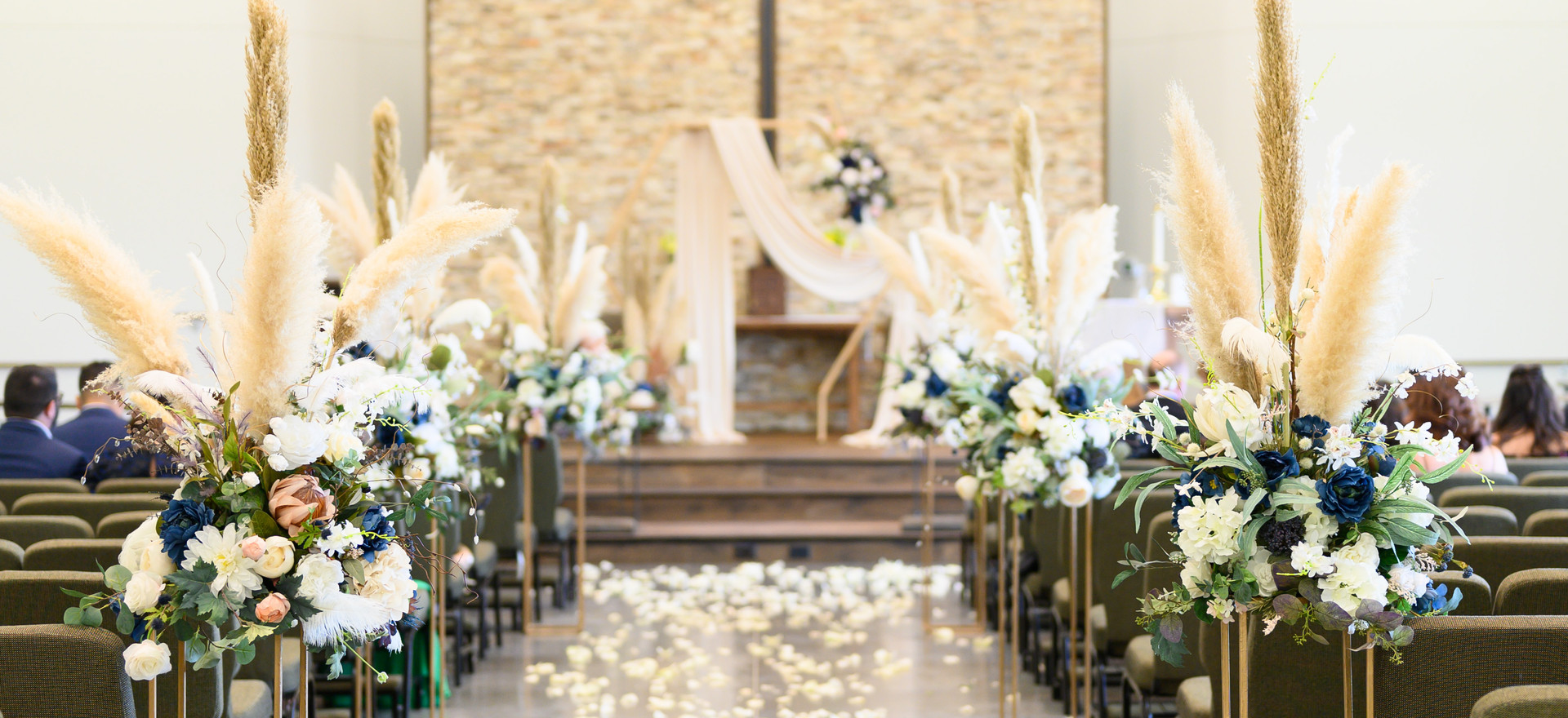 036_Lorena and Mike's Wedding day.jpg