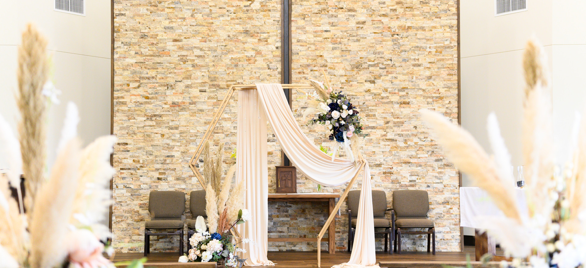 028_Lorena and Mike's Wedding day.jpg