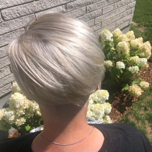 Platinum blond undercut
