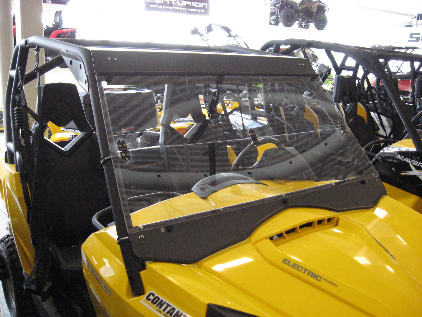 Can-Am Commander 2014+ folding windshield | dirty-products
