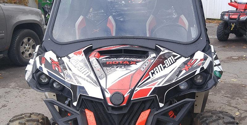 Châssis pour pare-brise de verre Can-Am Maverick '14 +