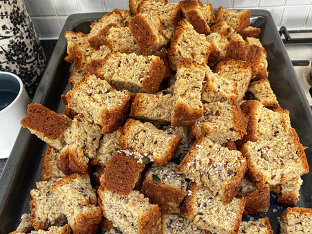 Oat and seed rusks