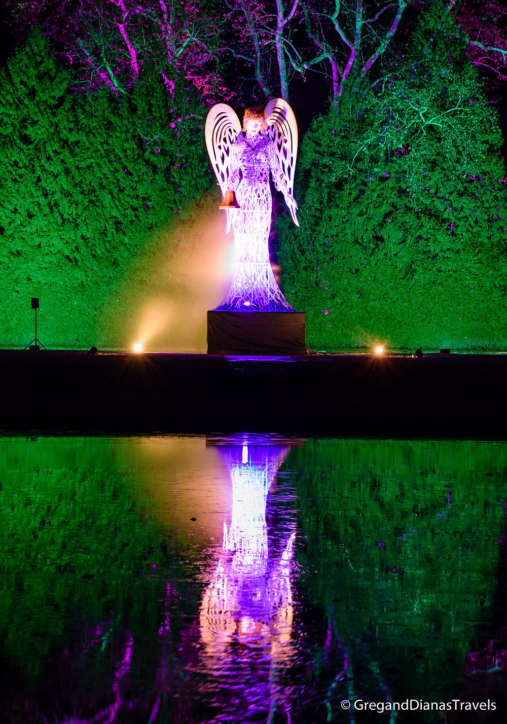 Angel welcoming the visitors, Hellbrunn Castle, Salzburg Austria, Travel blog, Christmas Fair, Advent Market