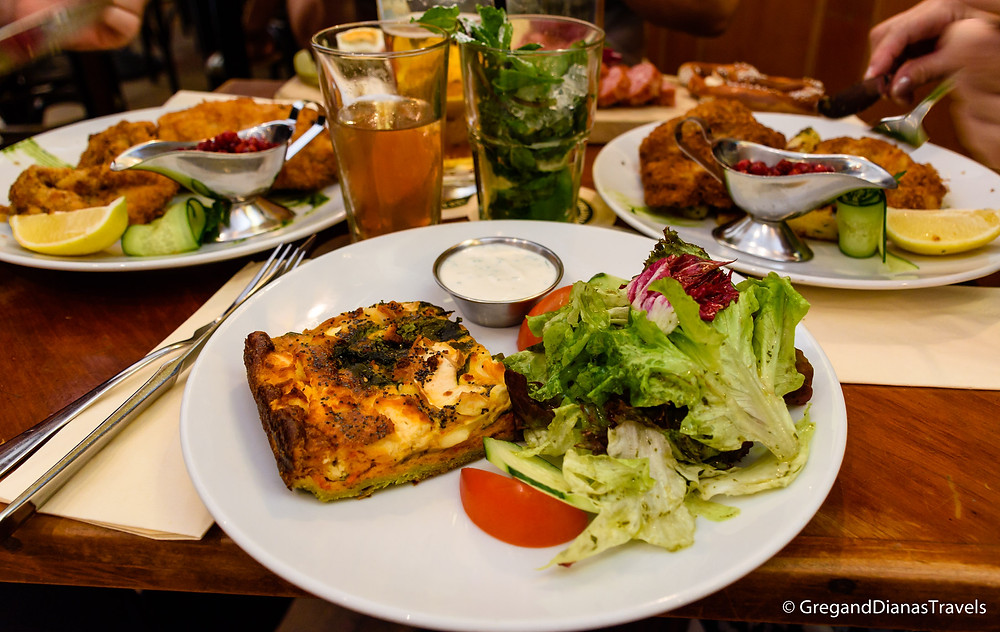 Vegetarian dish at a traditional German restaurant, München Deutschland, Munich Germany, vegetarian dish, travel blog
