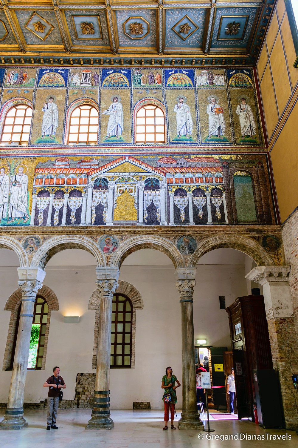 Mosaic wall decoration in Basilica Sant´Apolinnare Nuovo