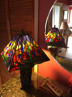 Tiffany style stained glass lampshad