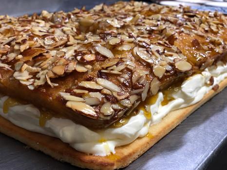 Bienenstich - Bee Sting Cake