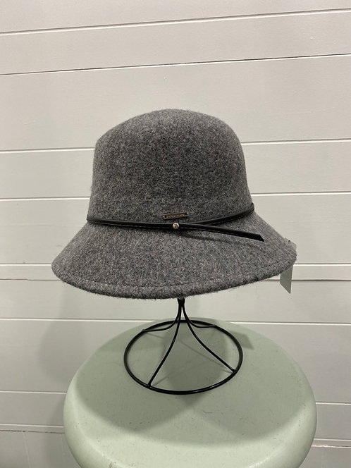 PICABO FELTED GREY HAT WITH BLACK TIE