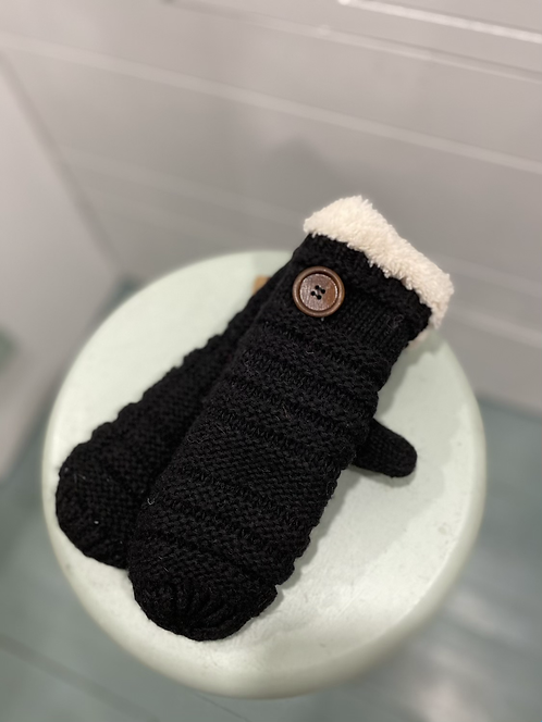 WELLCO MITTENS BLACK WITH BUTTON