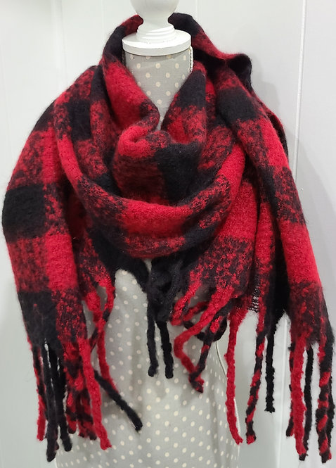 BLACK AND RED PLAID FUZZY SCARF