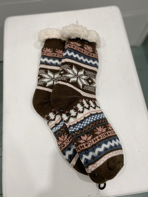 FUZZY SOCK SLIPPERS BROWN