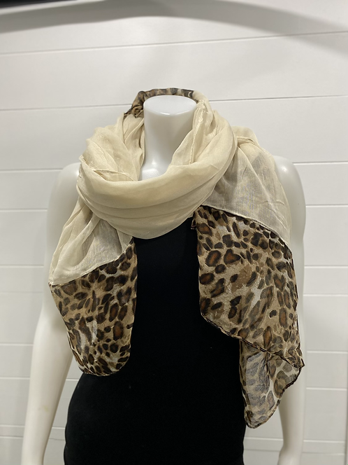CREAM SCARF WITH LEOPARD PRINT ENDS