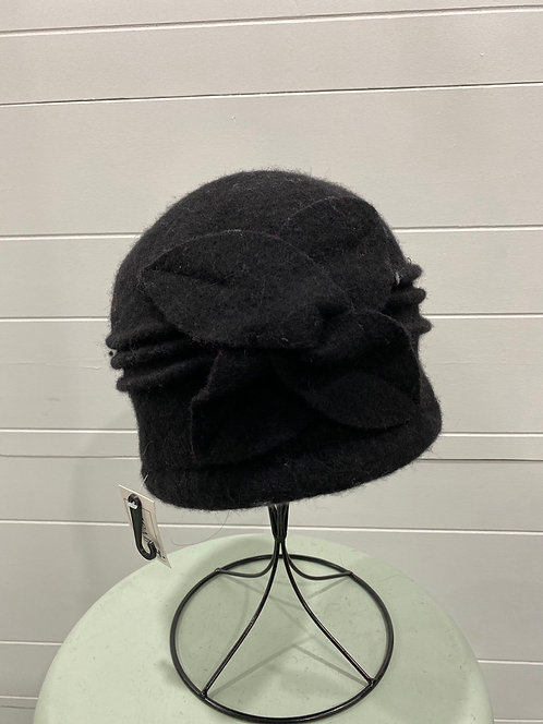 PICABO BLACK FELTED HAT WITH FRONT FLOWER DETAIL